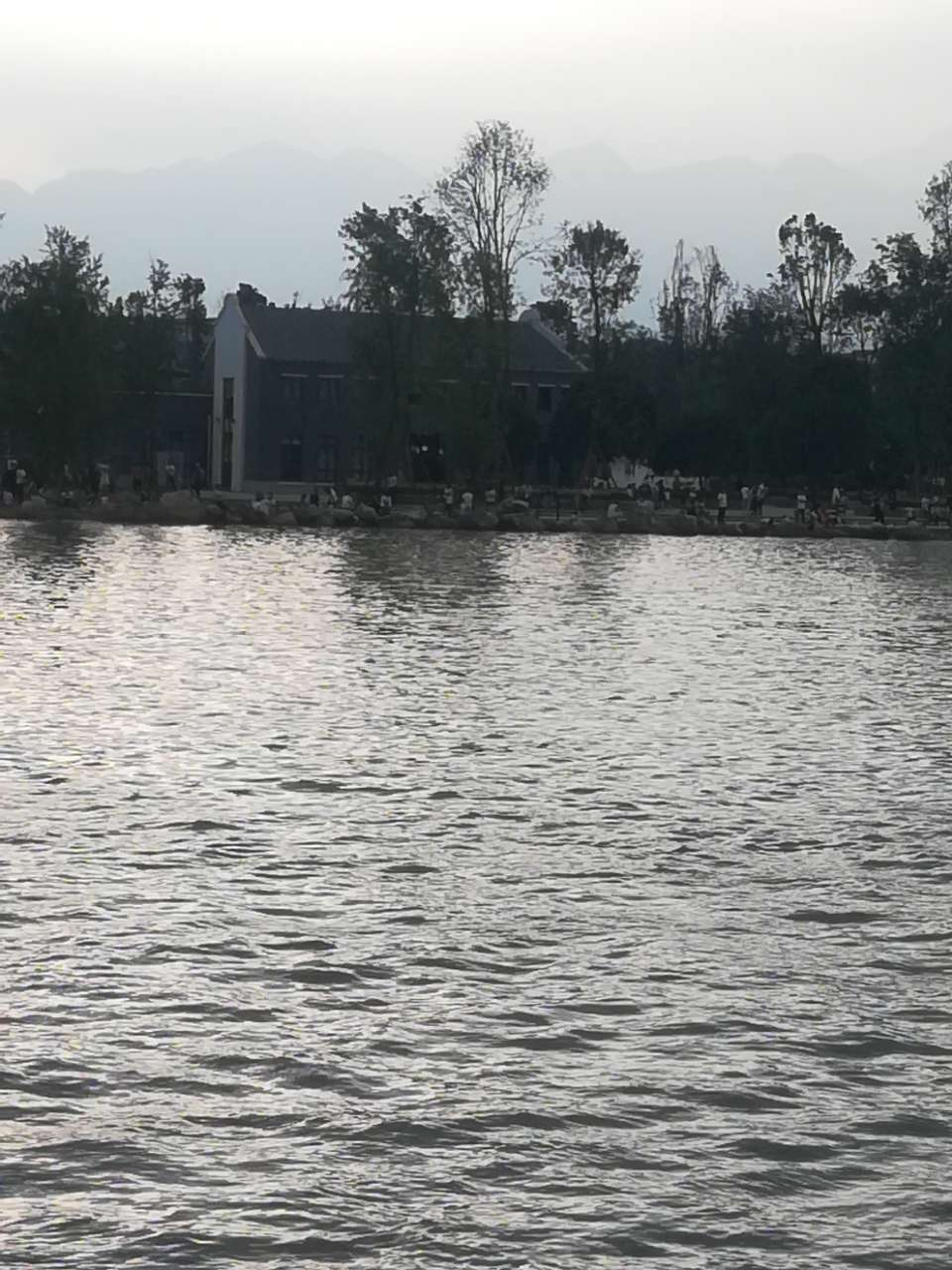明月岛公园大游船 - 江油论坛,因你更精彩!